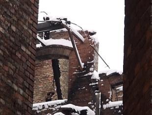 Kamienica artystów na warszawskiej Pradze. Pożar i co dalej?
